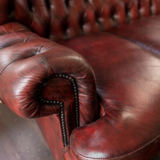 Couch Removal: How to Get Rid of Old Furniture