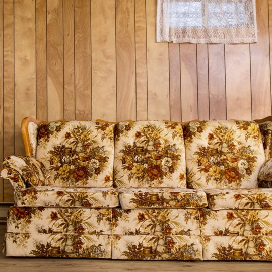 Couch Removal Options: How to Get Rid of Old Furniture